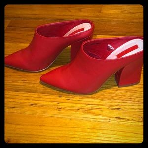 NWOT! Red forever 21 heeled mules Size 6